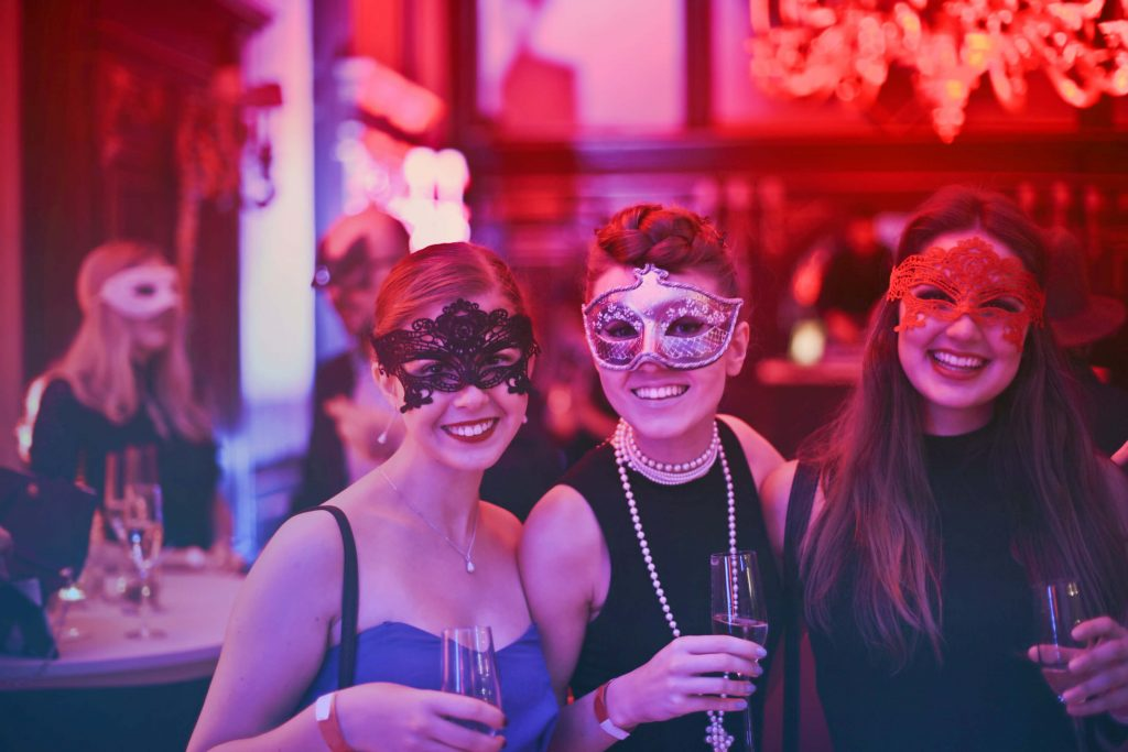 How to Plan an Adult Halloween Party